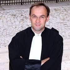 Read more about the article Avertissements : pourquoi faut-il les contester devant le Conseil de Prud'hommes dans les 2 ans ?